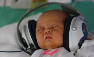 http://www.dailymail.co.uk/news/article-1389428/Baby-gaga-Slovakian-hospital-plays-classical-music-newborns.html